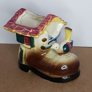 House Boot With Bird Planter